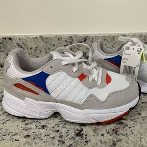 Nice Adidas kid shoes!!